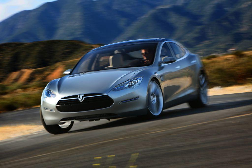 Компания Daimler собирается отмахнуться с производства Tesla