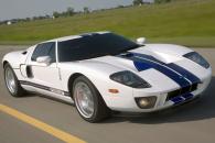 Одни из самых желанных спорткаров эпохи - Mercedes-Benz SLS AMG и Ford GT