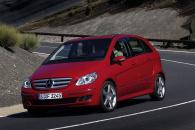 Такая разная практичность: Mercedes B и Toyota Corolla Verso